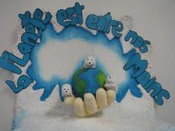 Dessin d'enfant sur la protection de la planète Terre
